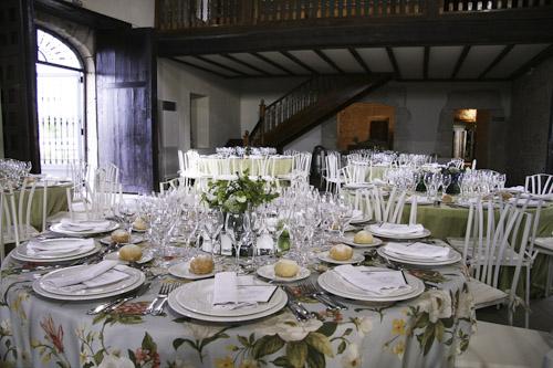 ¿Todavía no sabes cómo decorar las mesas de tu boda? Aquí puedes encontrar algunas ideas…